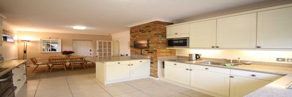 4 Bedroom Detached for sale in Maidenhead, Berkshire, United Kingdom
