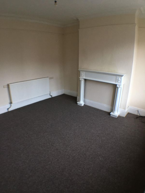 3 Bedroom Terraced to rent in Rotherham, Barnsley Road