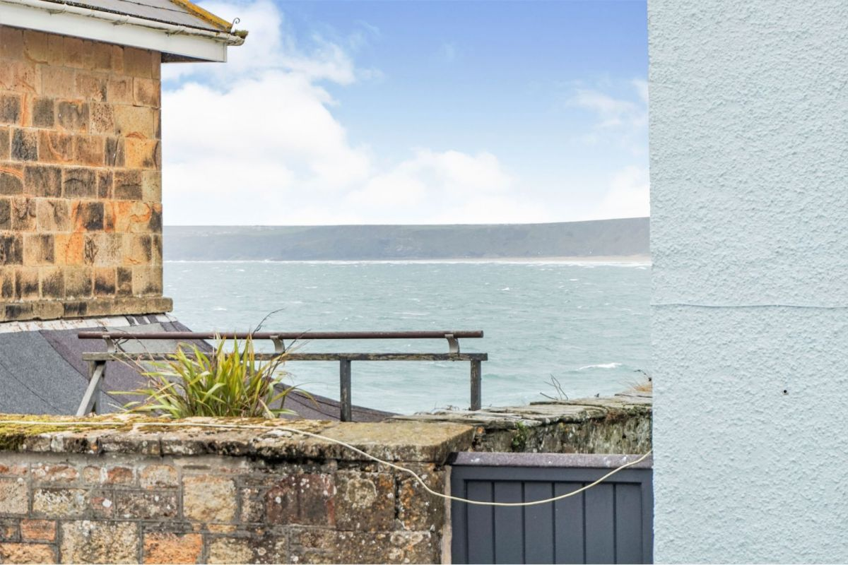 1 Bedroom Flat for sale in Newquay, Fore Street