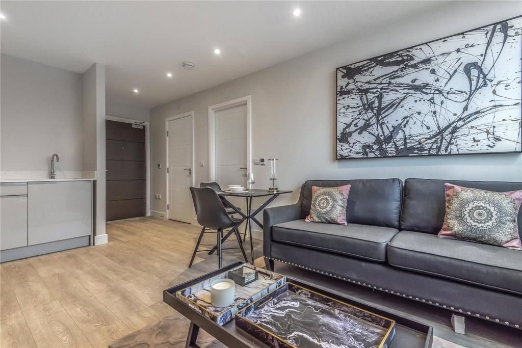 1 Bedroom Apartment for sale in Harrow, Queens House