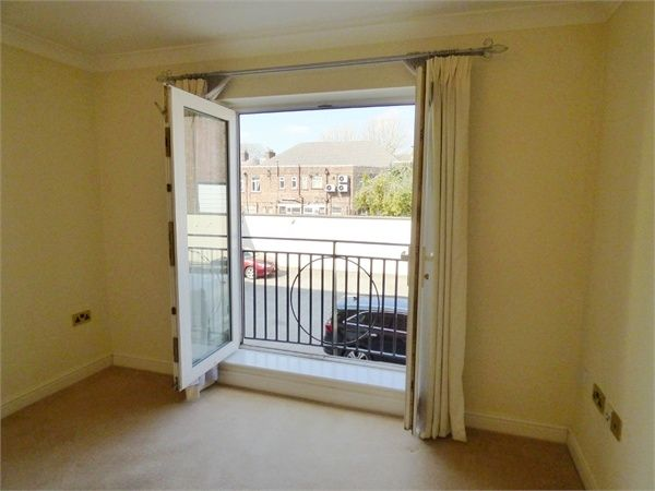2 Bedroom Flat for sale in Warrington, Cheshire, United Kingdom