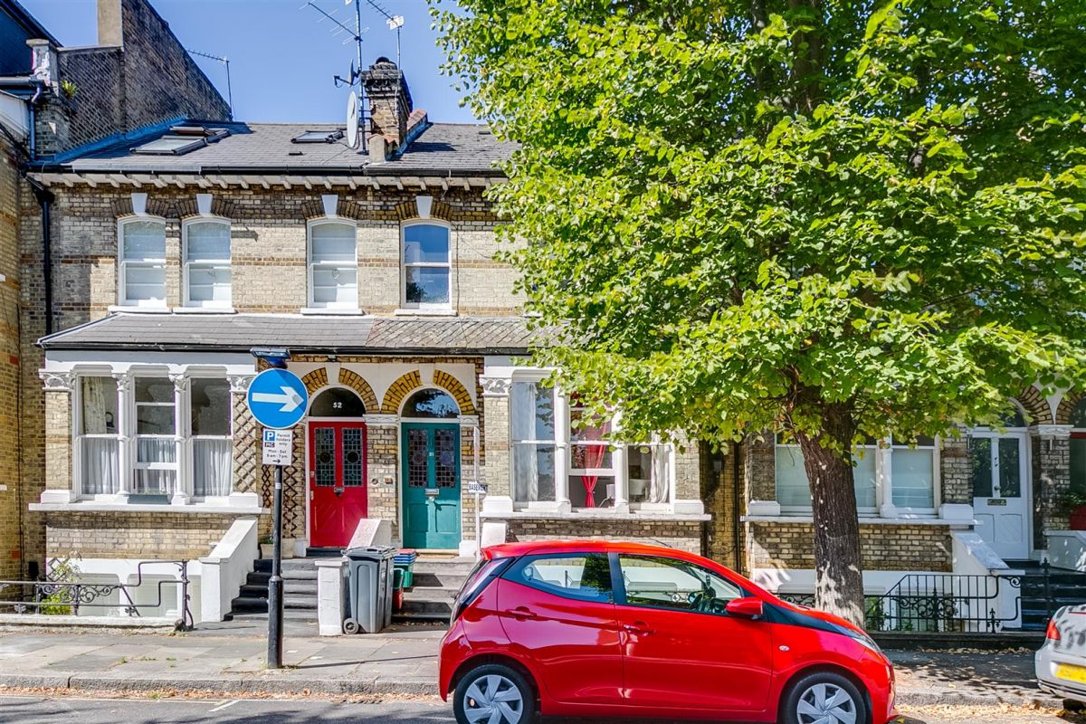 1 Bedroom Flat to rent in Chiswick, Campden Terrace