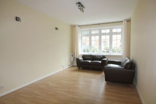 2 Bedroom Flat to rent in Isleworth, Middlesex, United Kingdom