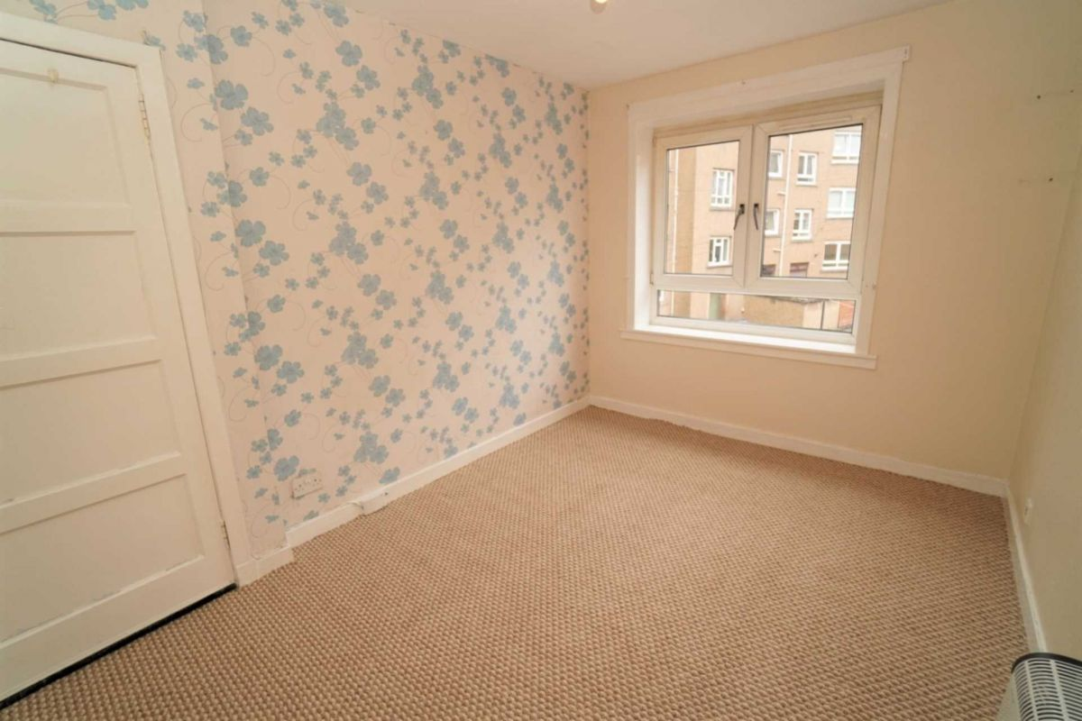 2 Bedroom Flat to rent in Greenock, Sir Michael Street