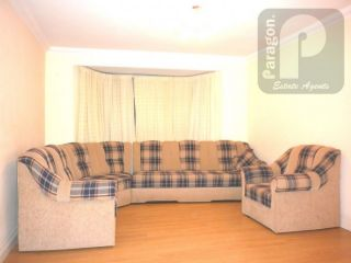 4 Bedroom Semi-Detached to rent in Edgware, Middlesex, United Kingdom