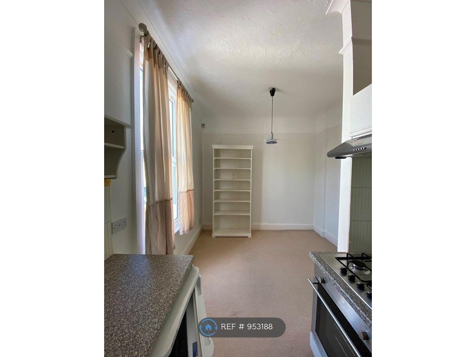 1 Bedroom Flat to rent in Cheltenham, Norwood Road