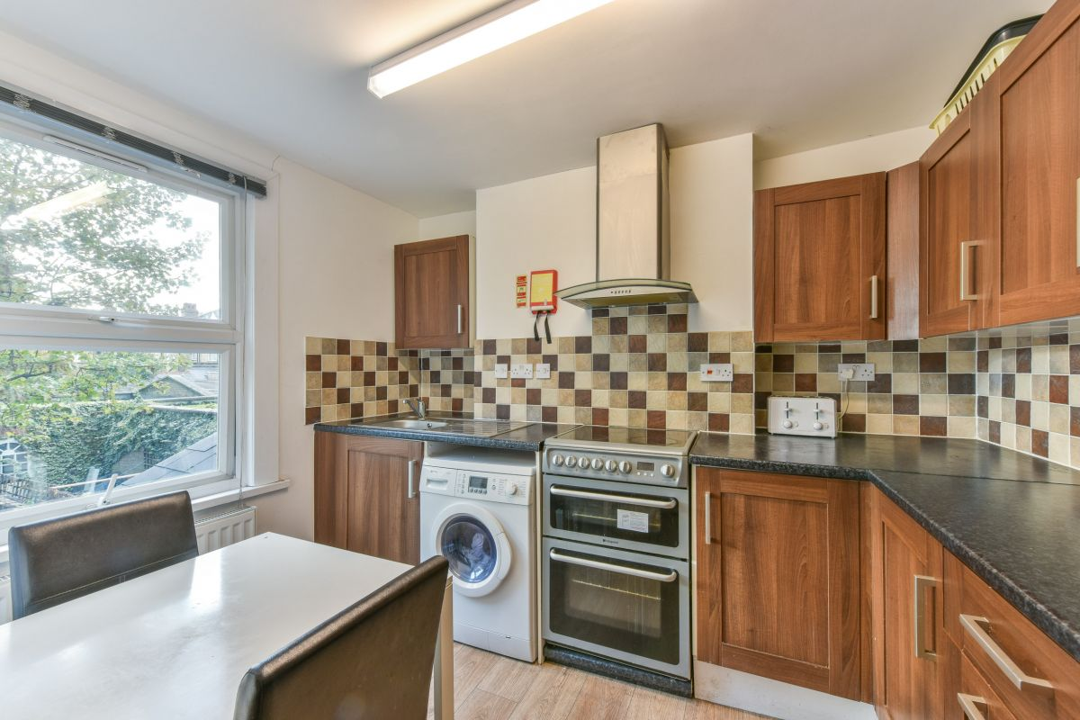 1 Bedroom Terraced to rent in Tooting, Trinity Road