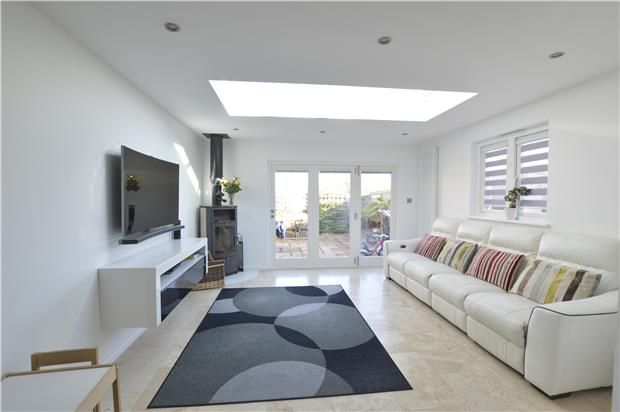 3 Bedroom Semi-Detached for sale in Sevenoaks, Kent, United Kingdom