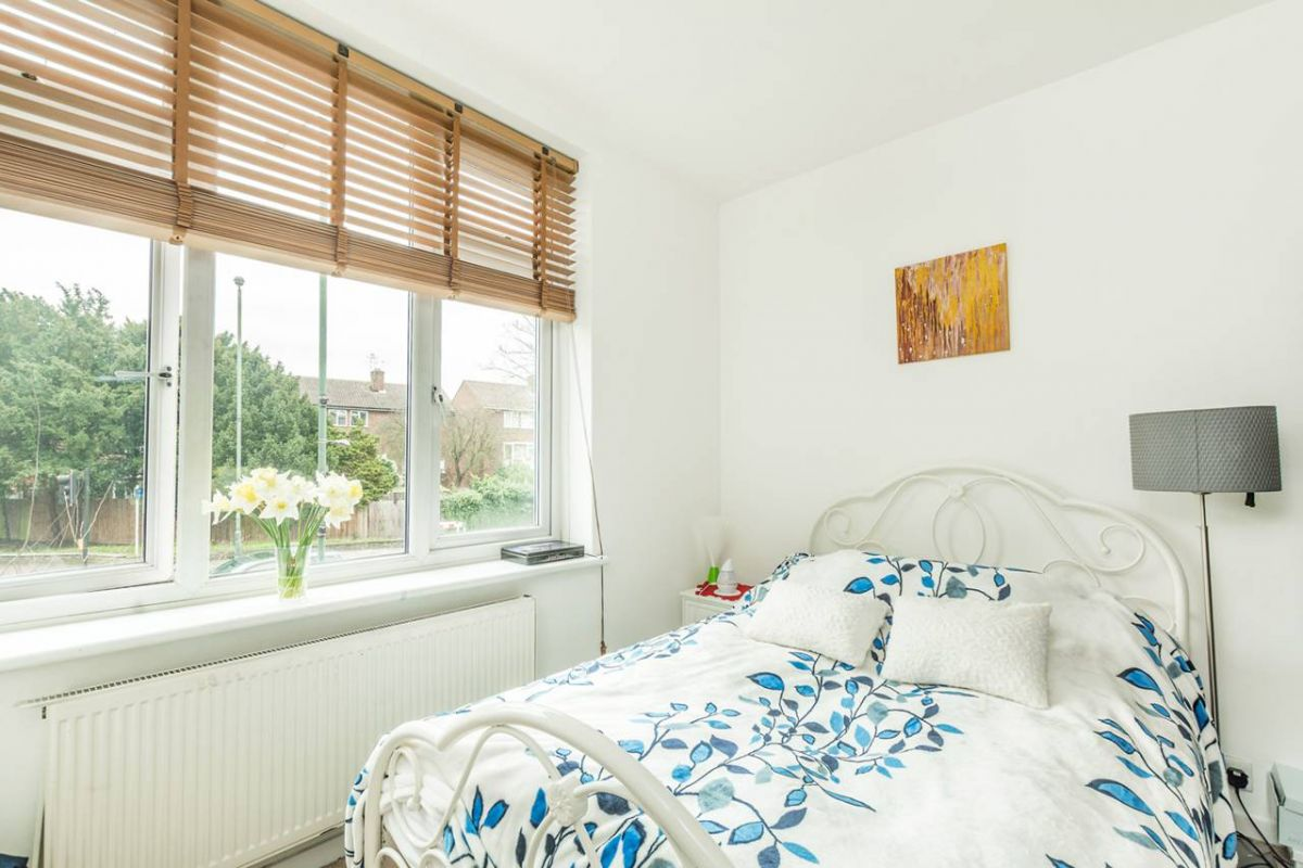 2 Bedroom Flat for sale in Middlesex, United Kingdom