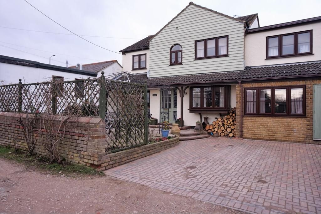 5 Bedroom Detached for sale in Chelmsford, Essex, United Kingdom