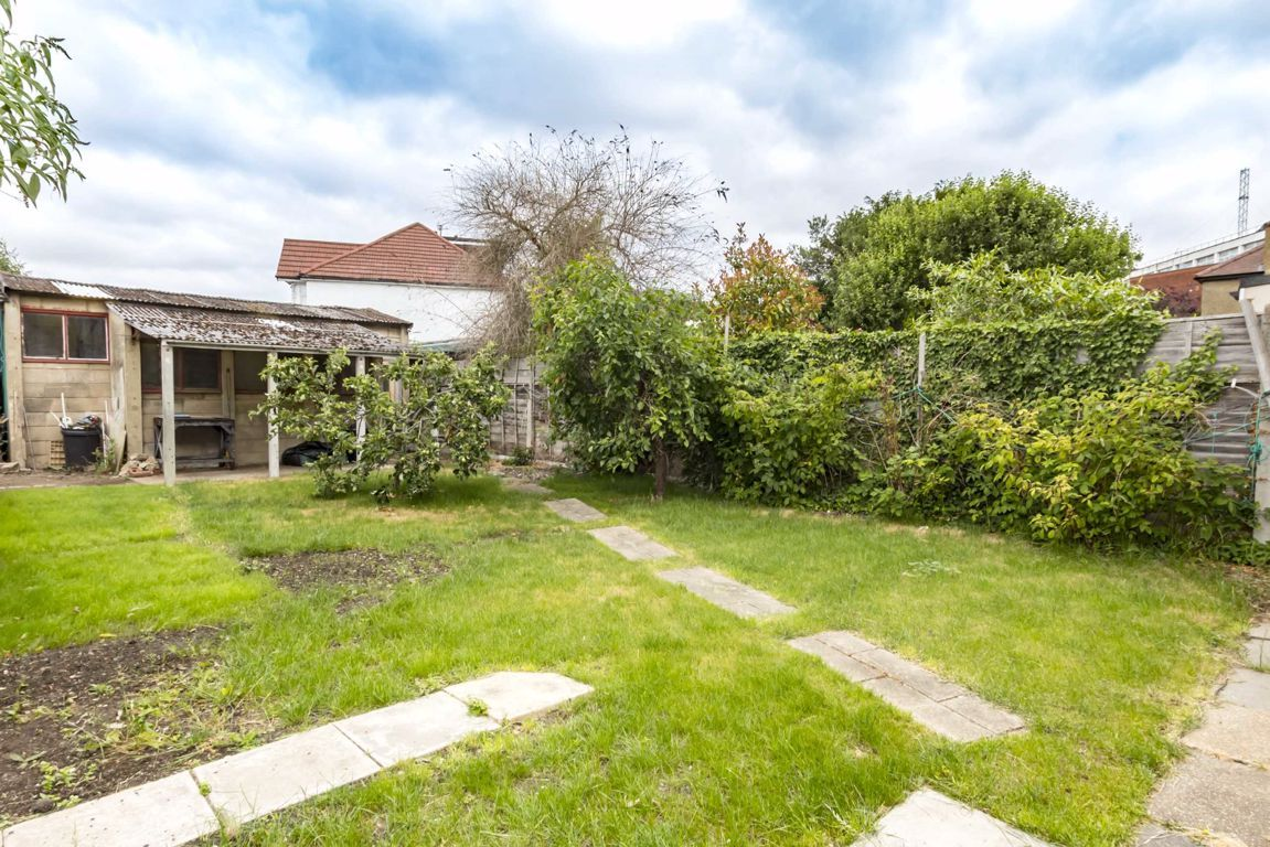 3 Bedroom House for sale in Isleworth, Twickenham Road