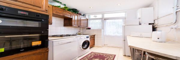 3 Bedroom Semi-Detached to rent in Streatham, Norbury, London, United Kingdom