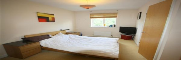 2 Bedroom Flat for sale in Grays, Essex, United Kingdom