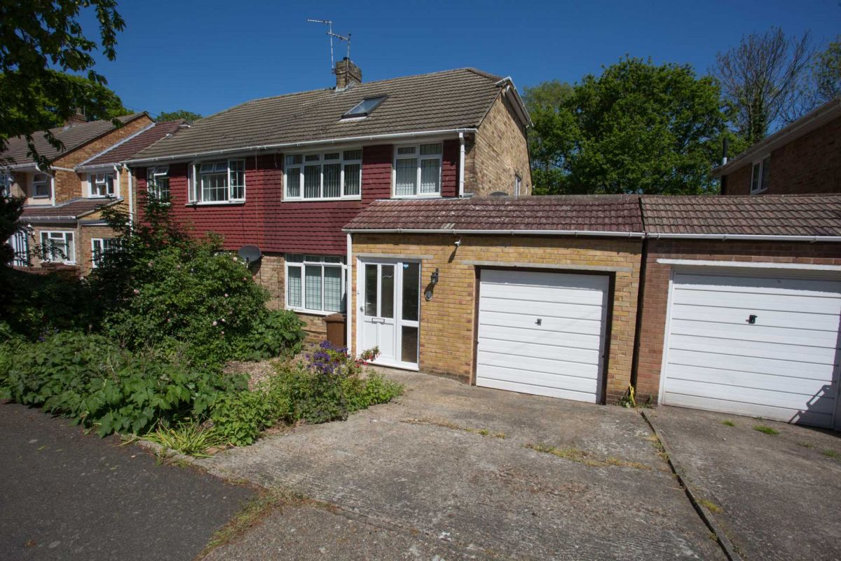 3 Bedroom Semi-Detached for sale in Chatham, Kent, United Kingdom
