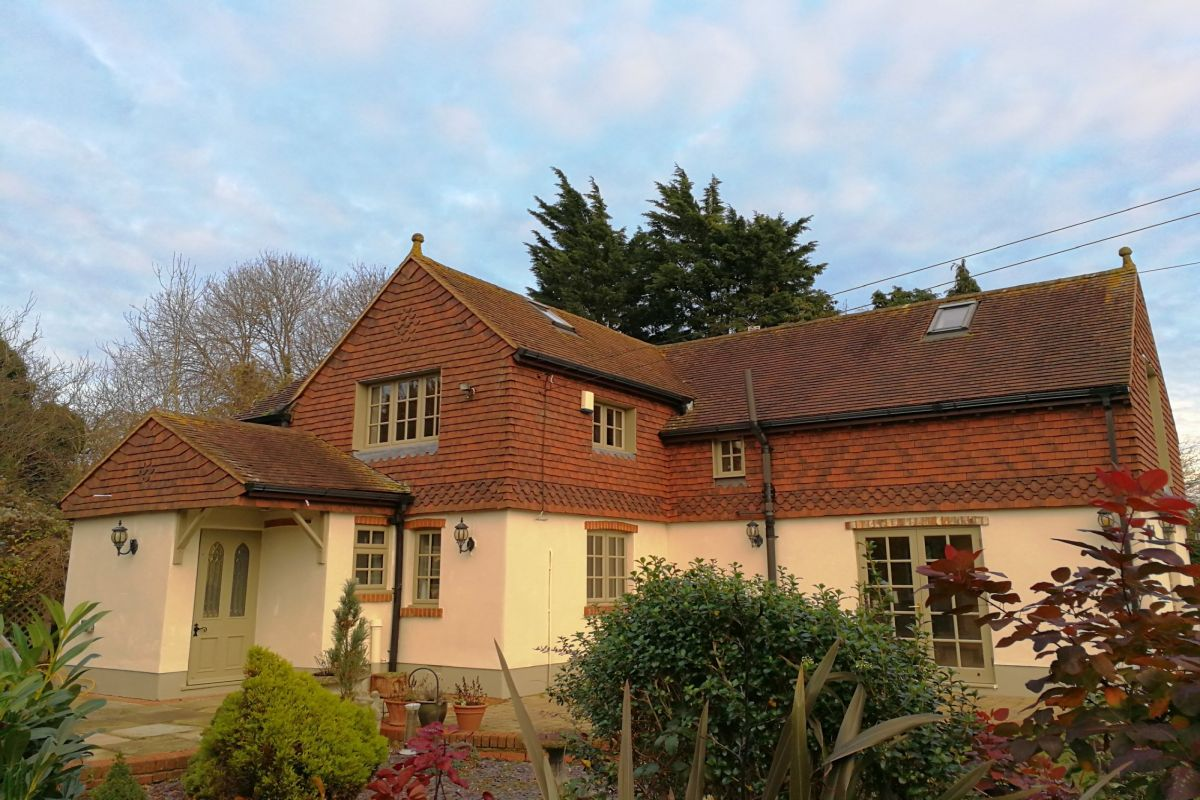4 Bedroom Detached for sale in Orpington, East Hall Road