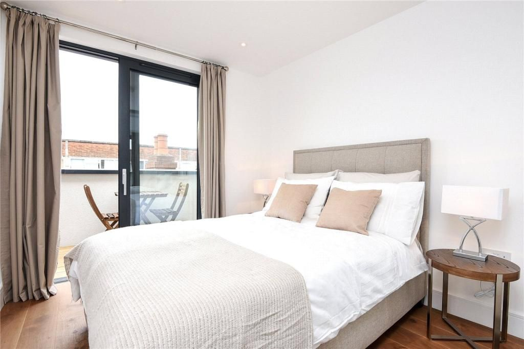 2 Bedroom Flat to rent in Hammersmith, Westworth House