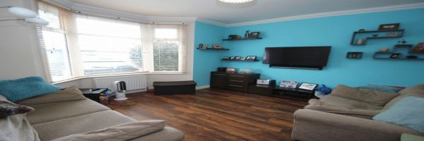 3 Bedroom Semi-Detached for sale in Southend On Sea, Essex, United Kingdom