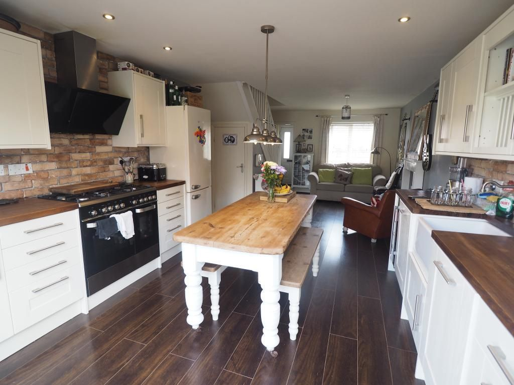 4 Bedroom Semi-Detached for sale in Hull, Humberside, United Kingdom