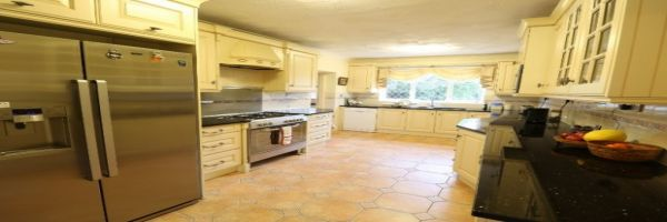 6 Bedroom Detached for sale in Walsall, West Midlands, United Kingdom