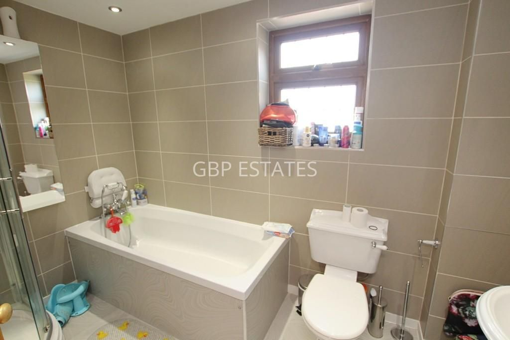 3 Bedroom Semi-Detached for sale in Romford, Brentwood Road