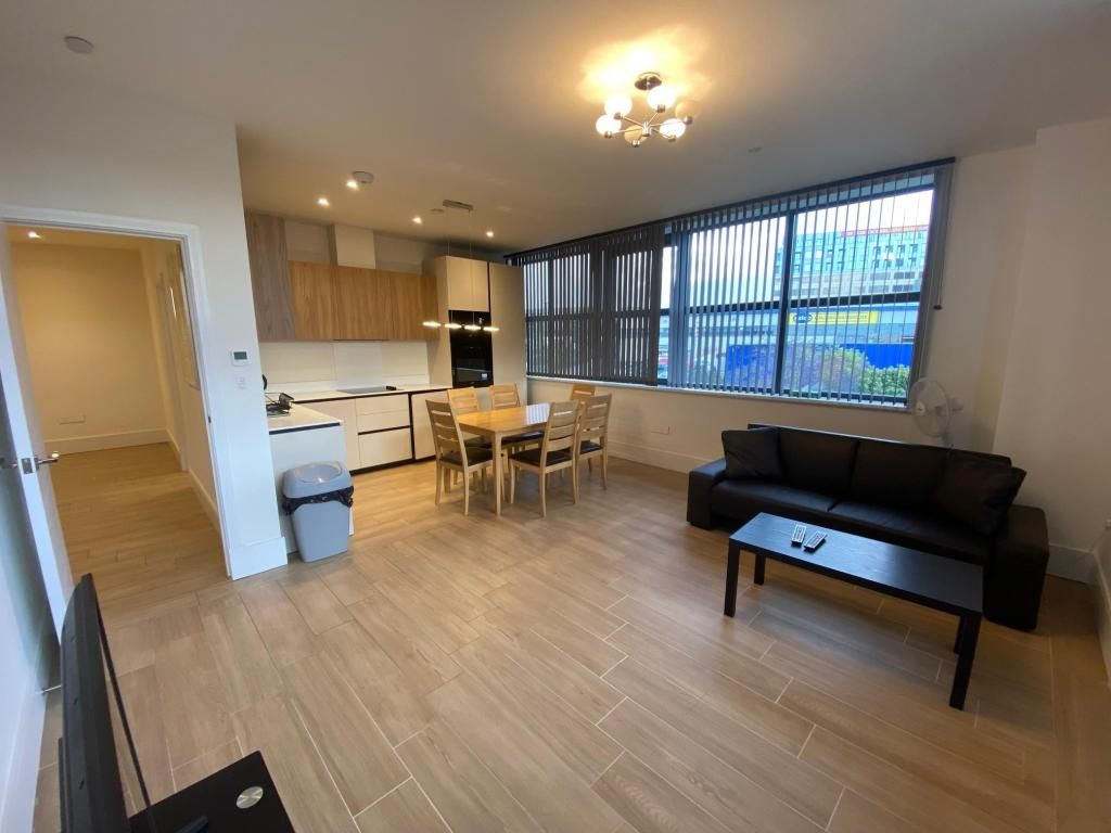 2 Bedroom Apartment to rent in Ealing, West Gate