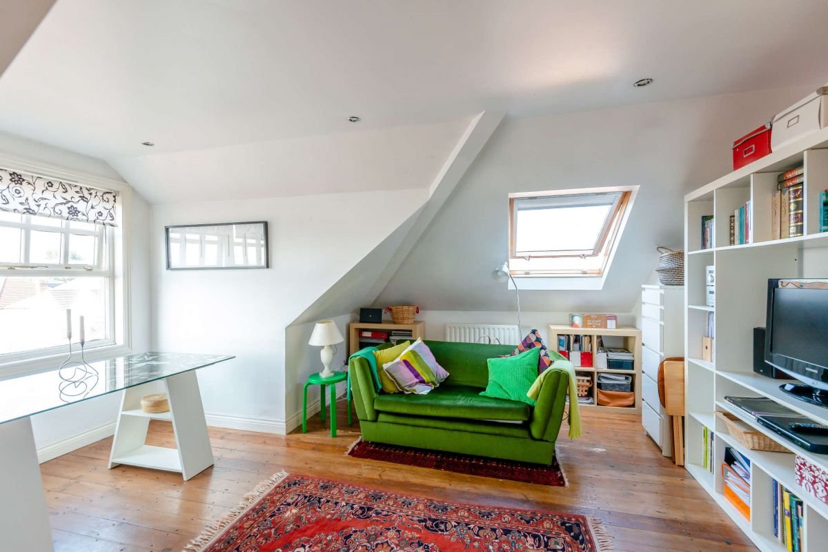 1 Bedroom Flat for sale in Barnet, Normandy Avenue