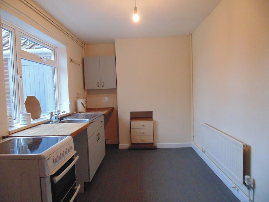3 Bedroom Semi-Detached to rent in Diss, Factory Lane