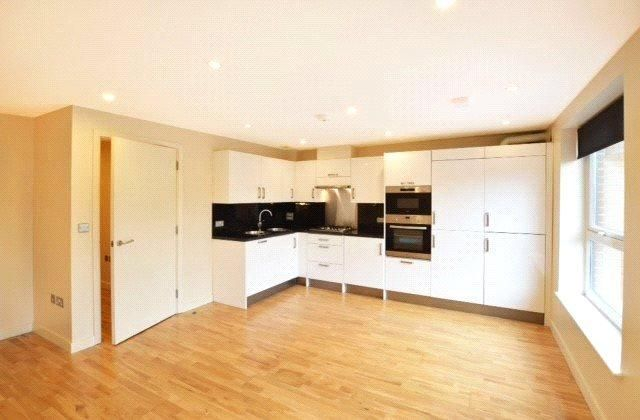 2 Bedroom Apartment to rent in Watford, Attenborough Court