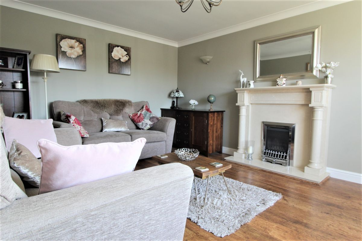 4 Bedroom Detached for sale in Brigg, Oakfield Close