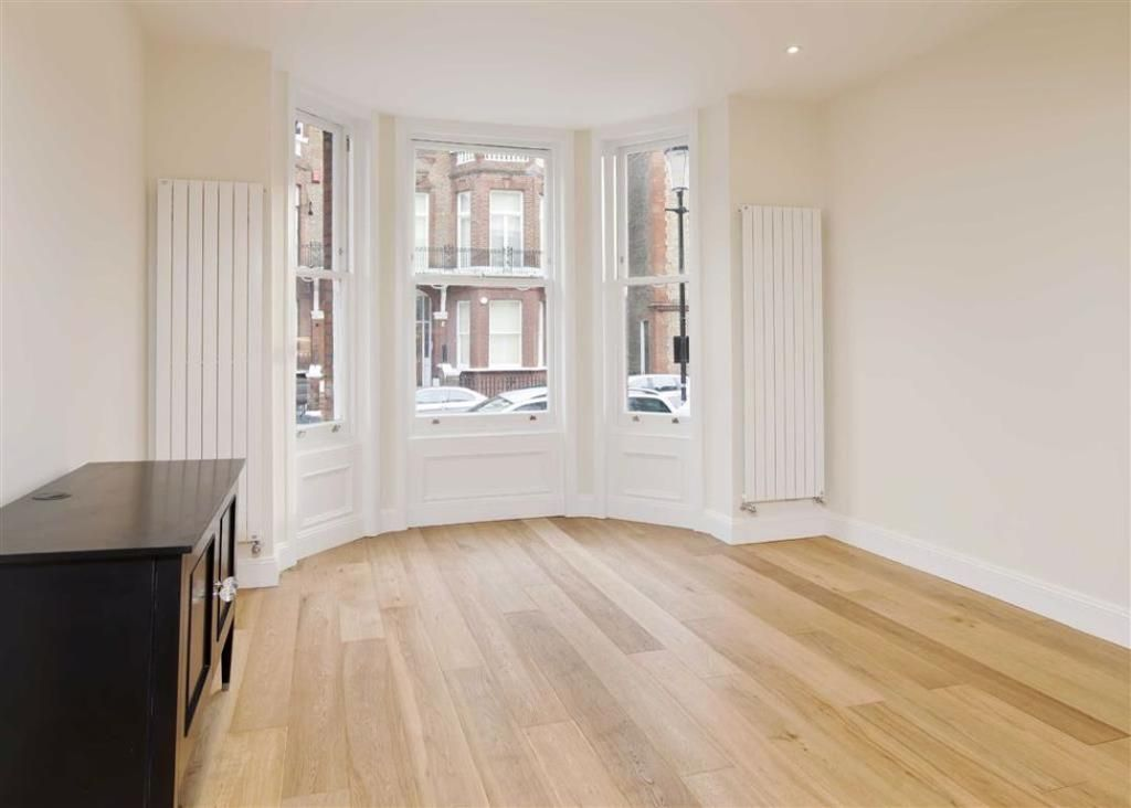 1 Bedroom Flat to rent in South Kensington, Rosary Gardens