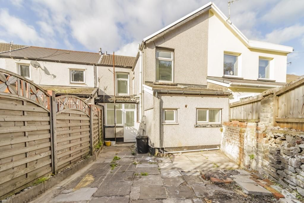 4 Bedroom Semi-Detached for sale in Treorchy, 15 Illtyd Street Treorchy