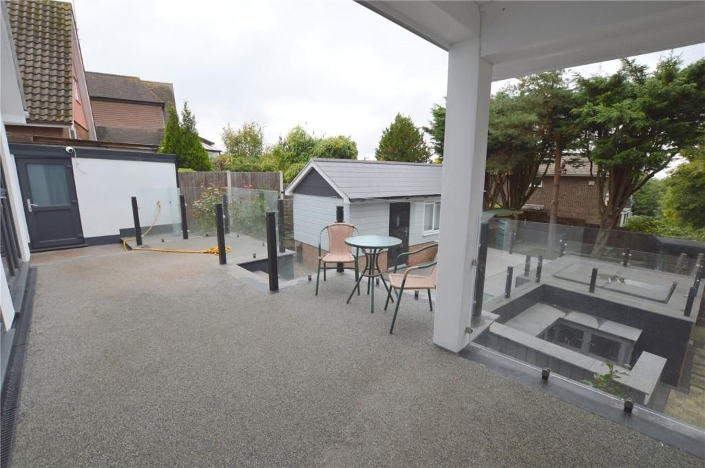 4 Bedroom Detached for sale in Rayleigh, Upper Lambricks