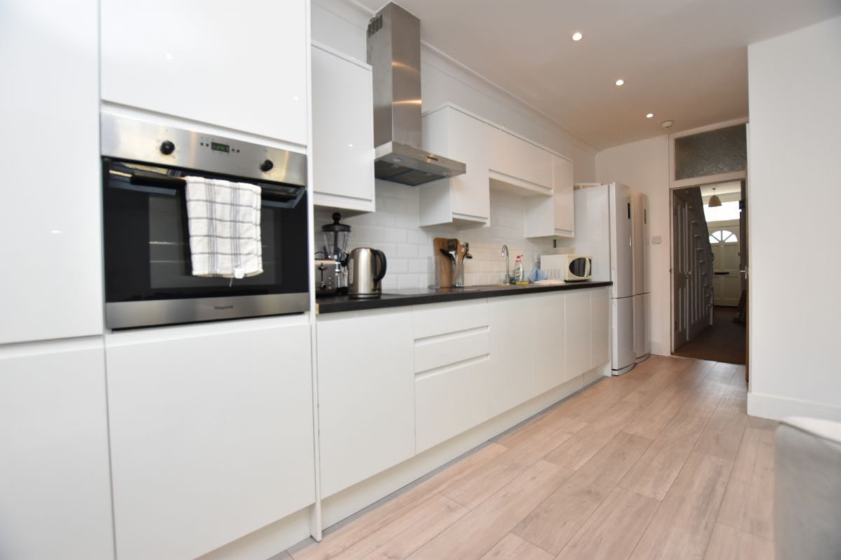 5 Bedroom House to rent in Leytonstone, Harold Road