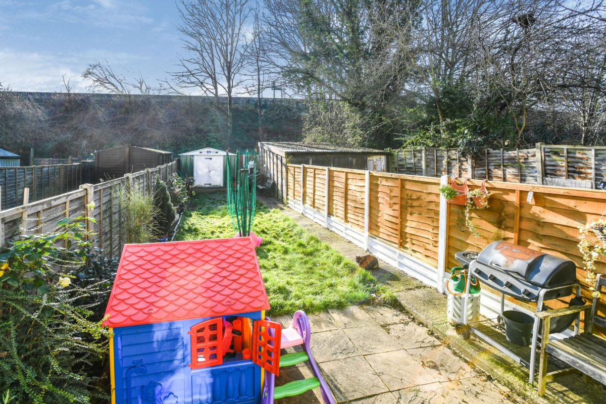 3 Bedroom Terraced for sale in Bexley, Eversley Avenue
