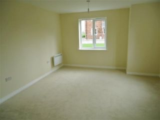 2 Bedroom Ground Flat for sale in Bradford, West Yorkshire, United Kingdom