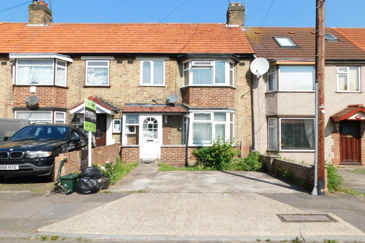 3 Bedroom Semi-Detached to rent in Uxbridge, Middlesex, United Kingdom