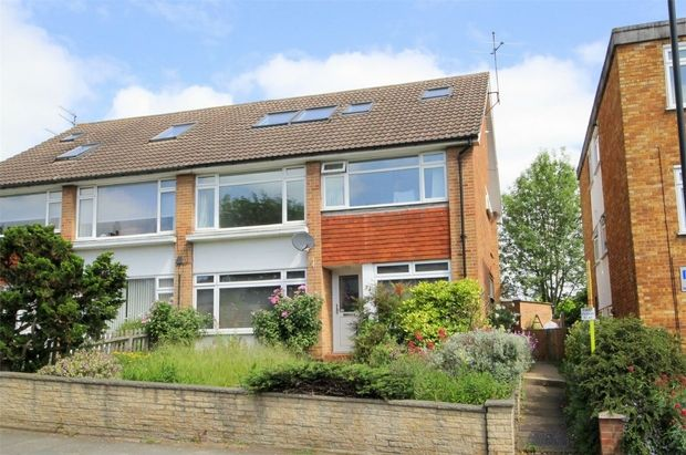 3 Bedroom Maisonette for sale in Winchmore Hill, London, United Kingdom