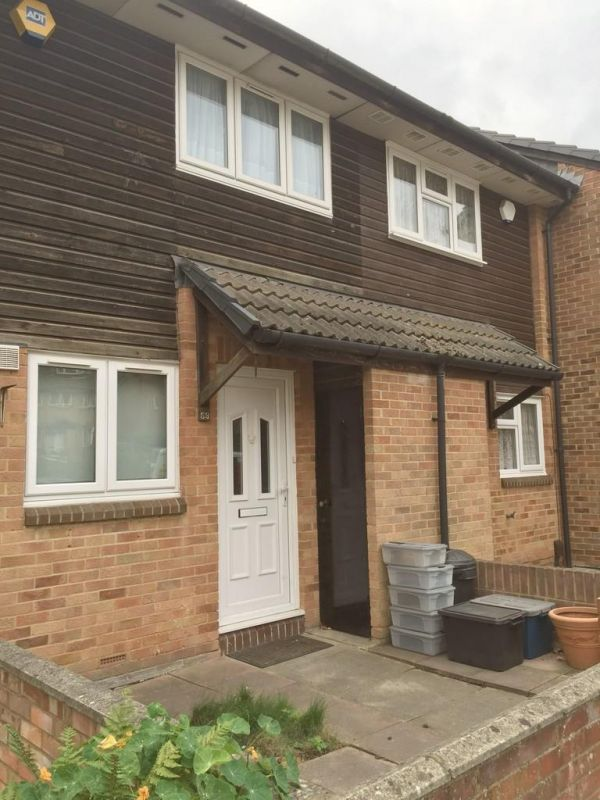 2 Bedroom Terraced to rent in Chigwell, Amanda Close