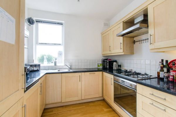 2 Bedroom Flat to rent in United Kingdom