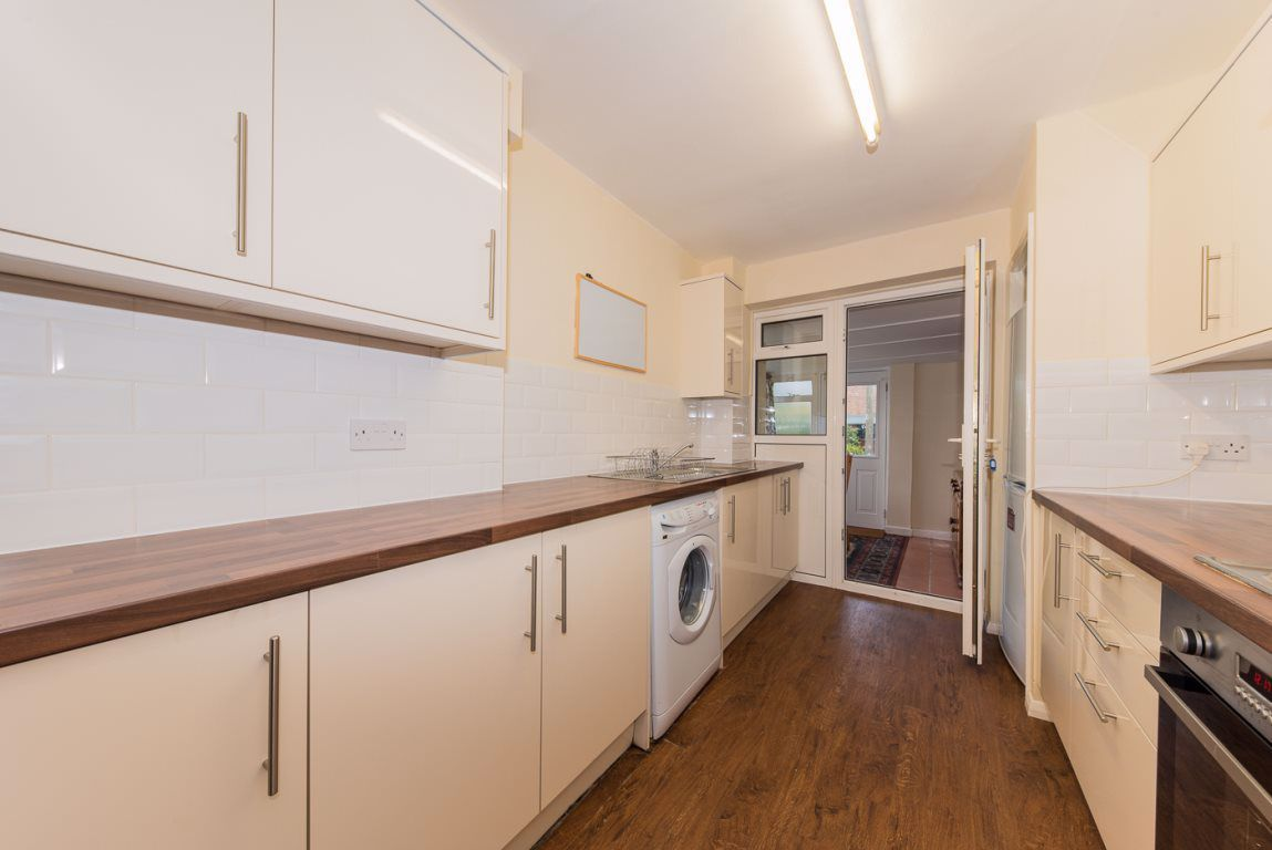 4 Bedroom House to rent in Canterbury, Cambridge Road
