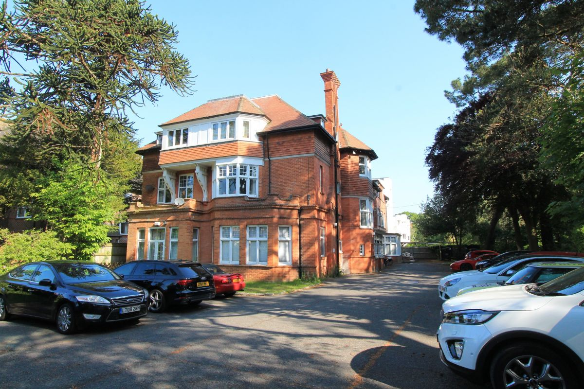1 Bedroom Flat to rent in Bournemouth, Bermuda Court