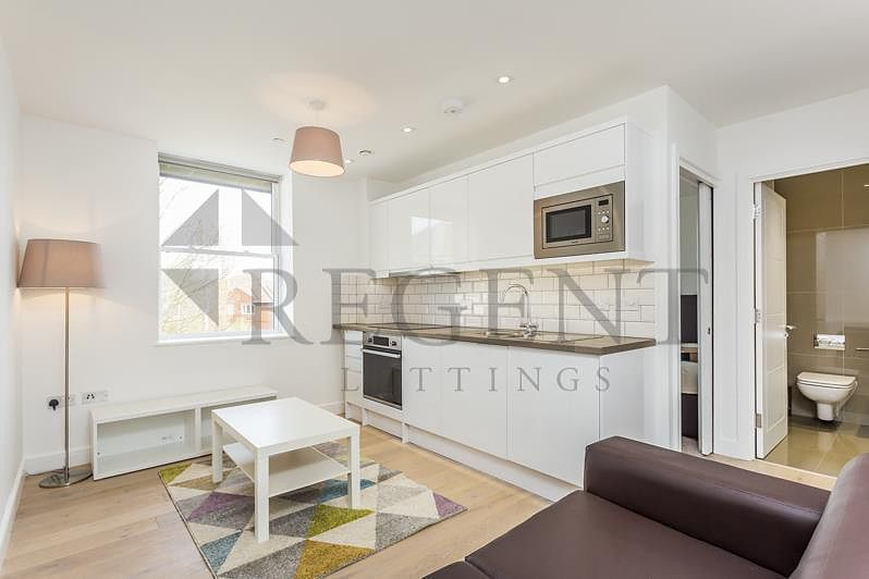 1 Bedroom Flat to rent in Mitcham, Cricket Green