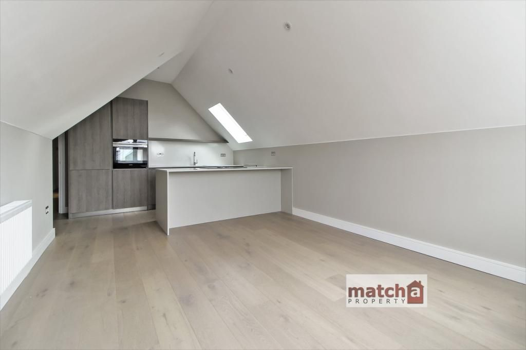 2 Bedroom Flat to rent in Ealing, Woodfield Road