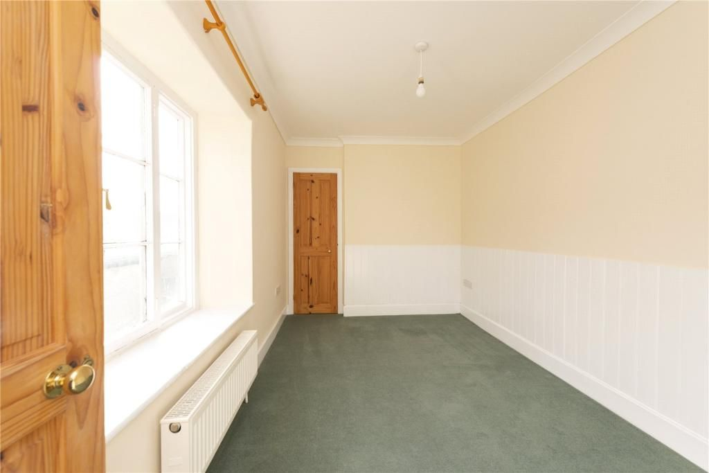3 Bedroom Semi-Detached for sale in Templecombe, High Street