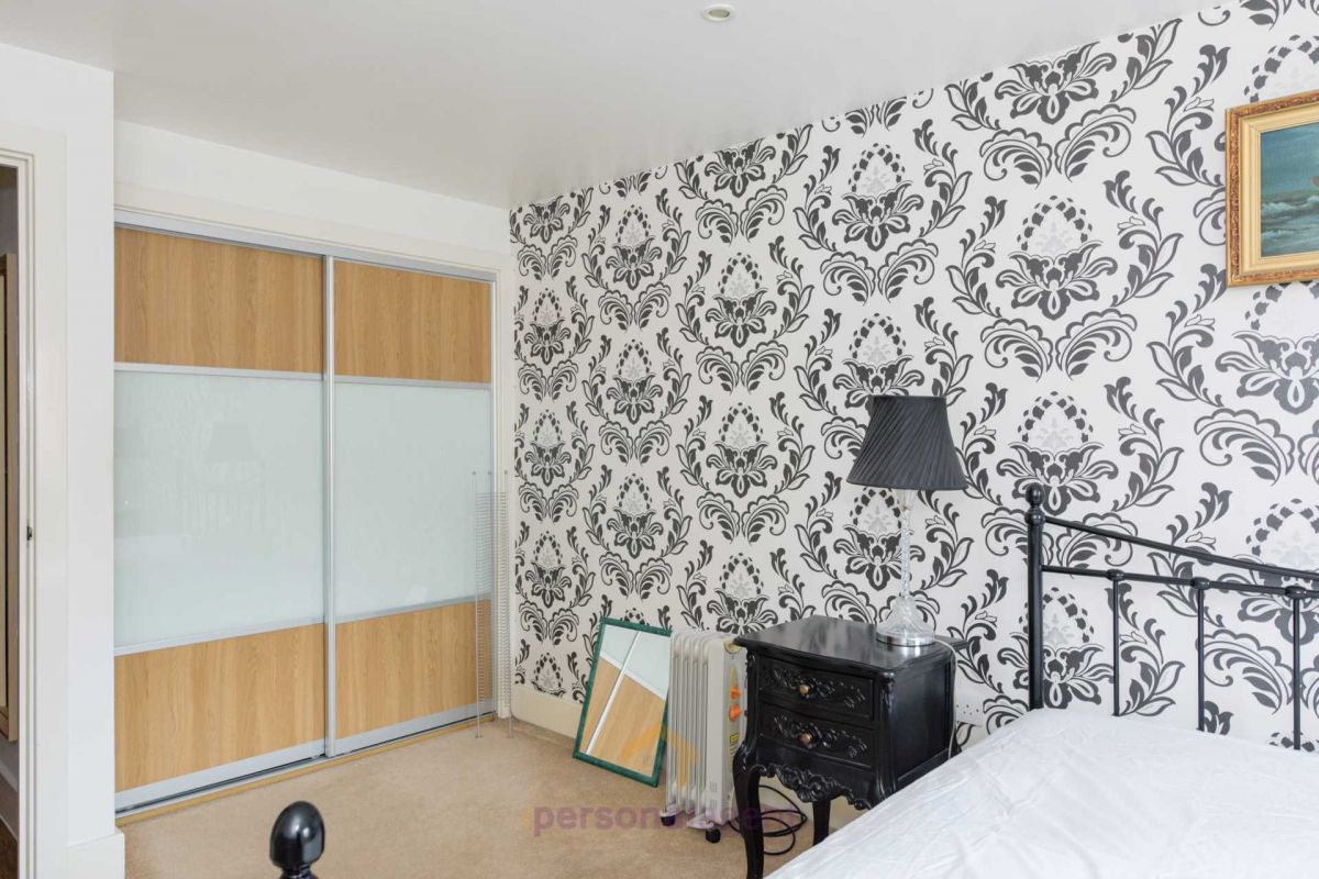 1 Bedroom Apartment to rent in Epsom, Church Street