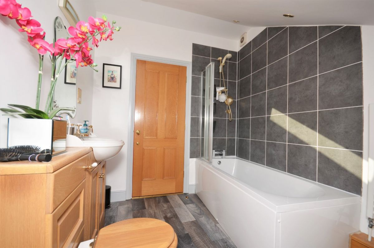 2 Bedroom Flat for sale in Aylesbury, Buckingham Street