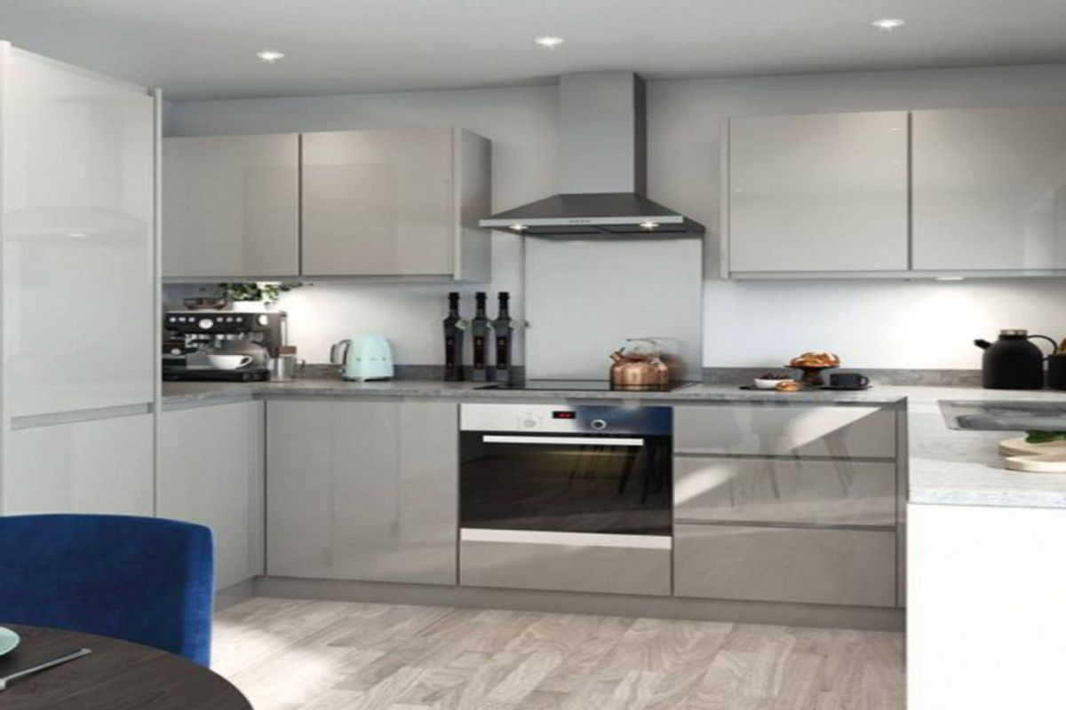 2 Bedroom Flat for sale in Purley, Green Lane