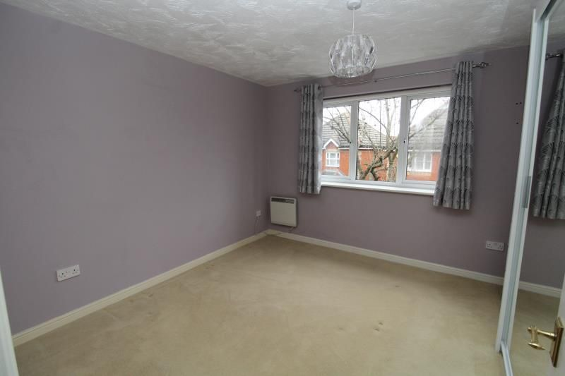 2 Bedroom Apartment to rent in Romford, Foxglove Road