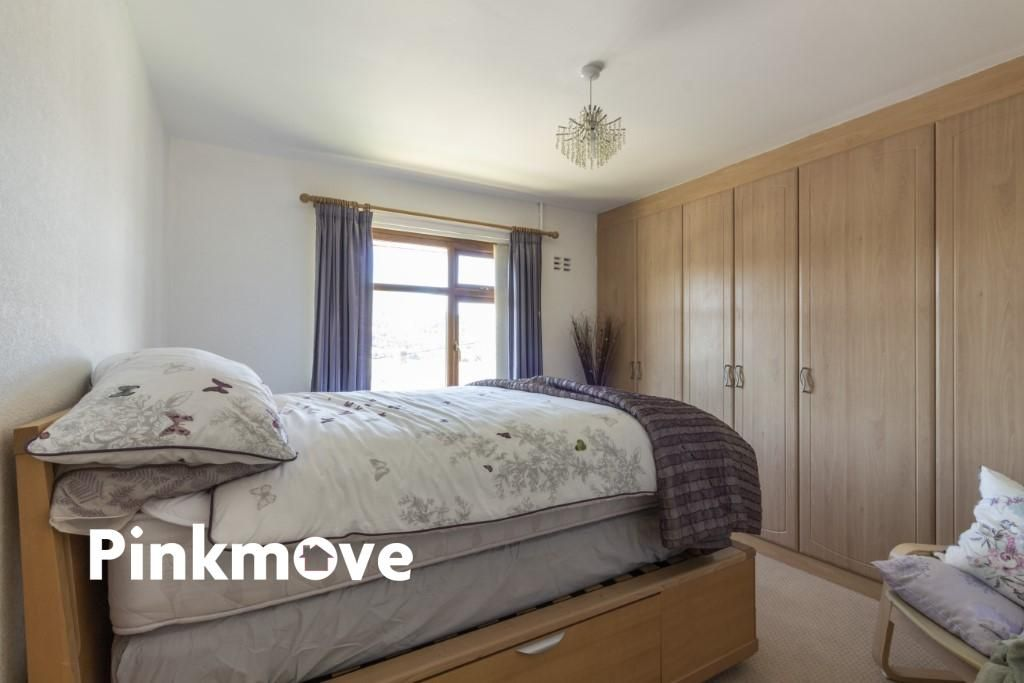 3 Bedroom Semi-Detached for sale in Newport, Severn Close