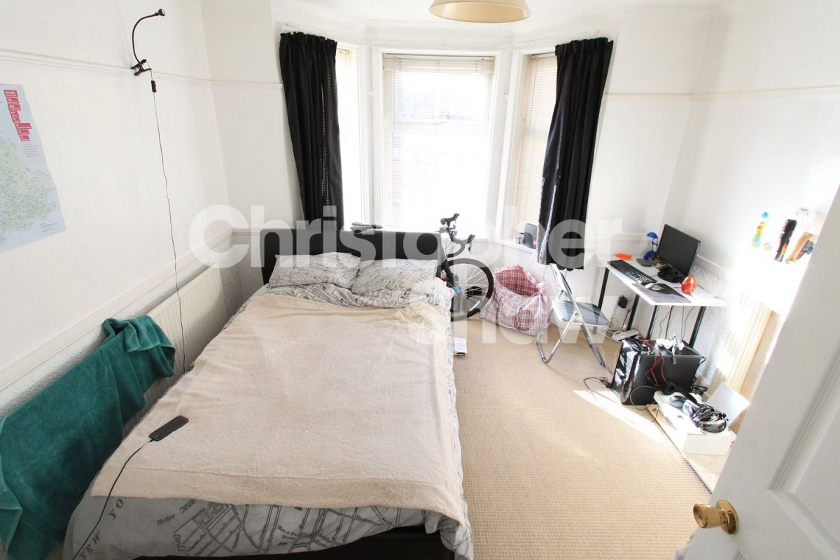 5 Bedroom House to rent in Bournemouth, Columbia Road